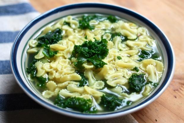 kale noodle soup