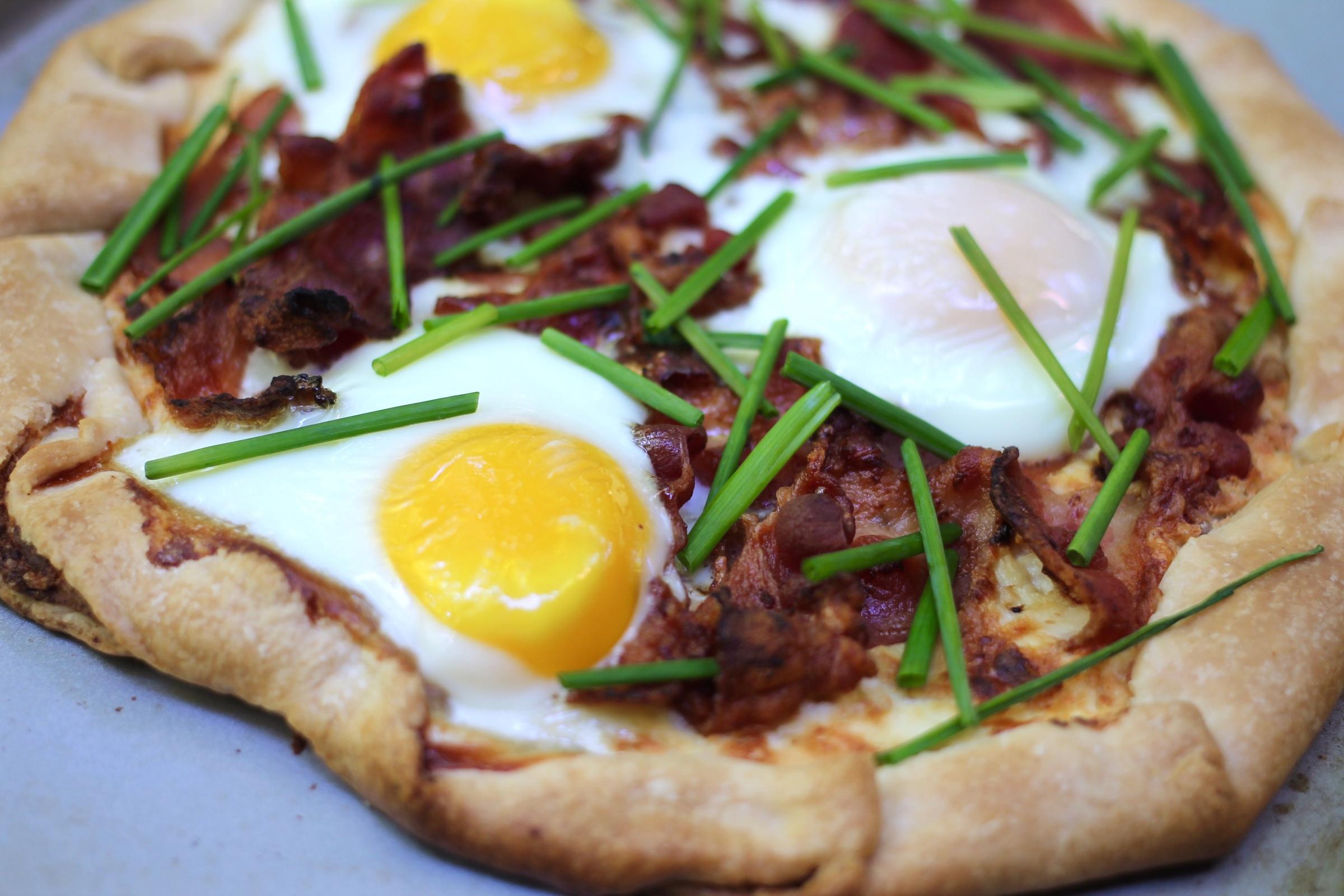 breakfast galette bacon eggs chives