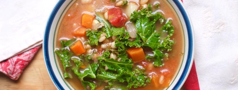 Kale tomato white bean soup